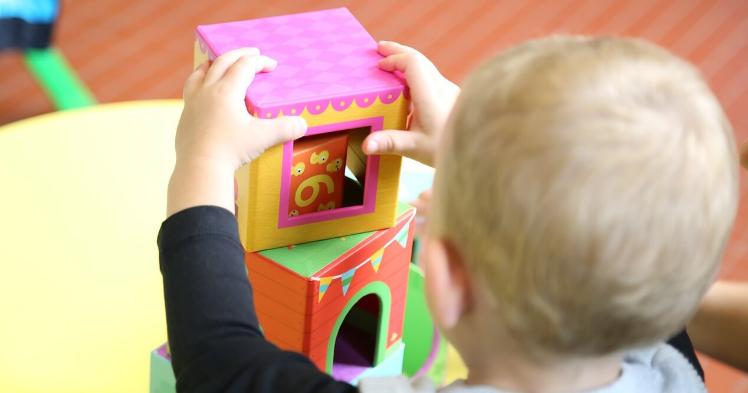 Garde d'enfant : quel mode de garde coûte le moins cher ?